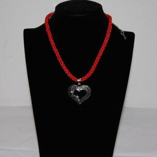 Edelweiss Trachten Kette, Satinband, rot, mit Herzanhänger
