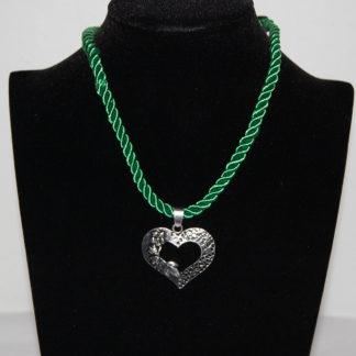 Edelweiss Trachten Kette, Satinband, dunkel grün, mit Herzanhänger