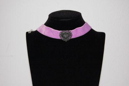 Edelweiss Trachten Kette,lila, mit Herz am elastischen Samtband