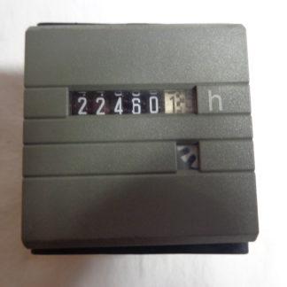 Betriebsstundenzähler analog für Schaltschrankeinbau  Einbaumasse 44 mm x 44 mm x 33 mm