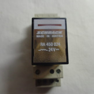 Schrack RA 450 024  Relais mit Sockel