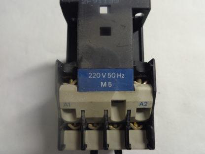 Telemecanique CA2 DN 31 Spulenspannung 220V 50HZ