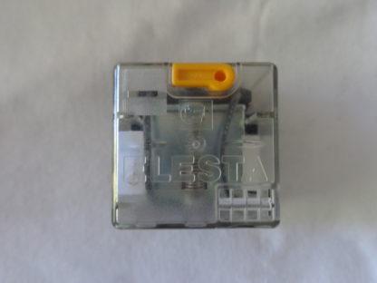 Elesta SKR085LF 220V=DC mit Omron PF083A-E Sockel