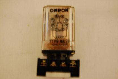 Omron Type MK2P Relais mit Sockel