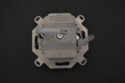 Rutenbeck CAT 5e Netzwerk Anschlussdose mit Zentralscheibe