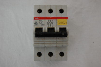 ABB S273 U32 3pol. Sicherungsautomat