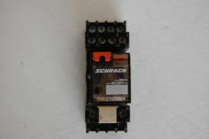 Schrack Relais ZT 570024 mit Sockel