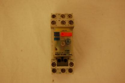 General Elektrik Relais  221049 mit Sockel