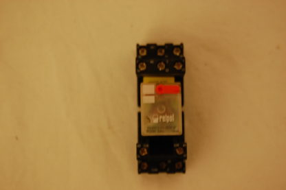 RELPOL Relais R3-2013-23-3230-WT Mit Sockel