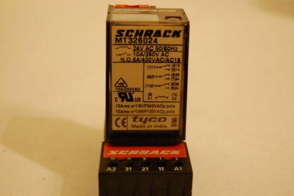 Schrack Relais MT326024 mit Sockel